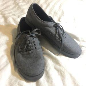 Vans lace up Sneaker Tennis Shoe nwot Men's 9